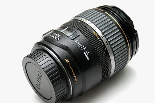 Canon EF-S 17-85mm F4.5-5.6 IS USM